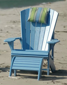 Blue-Adirondack-on-beach